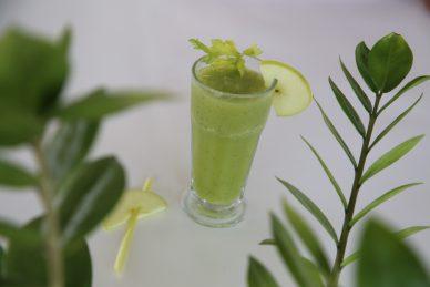 Καλοκαιρινό smoothie, γεμάτο θρεπτικά συστατικά και με αντιοξειδωτικές ιδιότητες